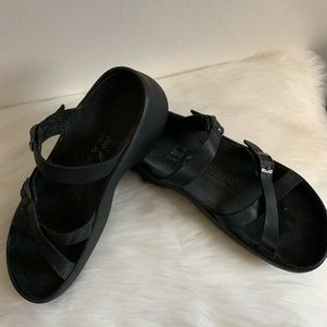 Unisex Black Tatami Birkenstock Sandals L9 or M7